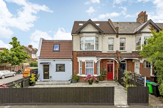 Thumbnail Terraced house for sale in Queens Road, London