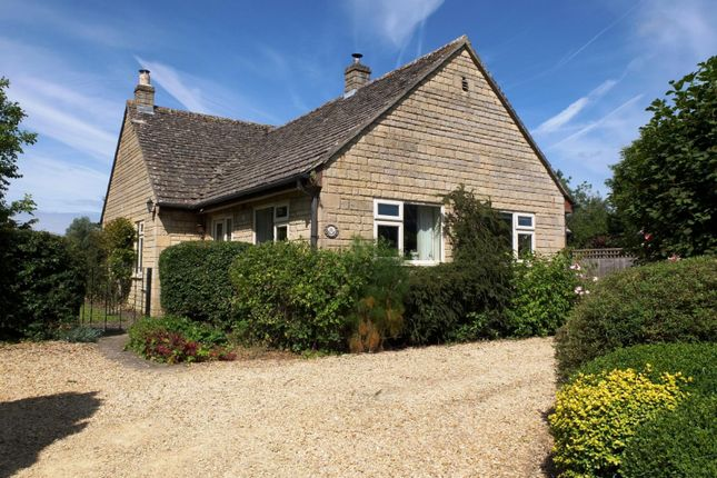 Thumbnail Bungalow to rent in Cranmore Lane, Shipton Moyne, Tetbury