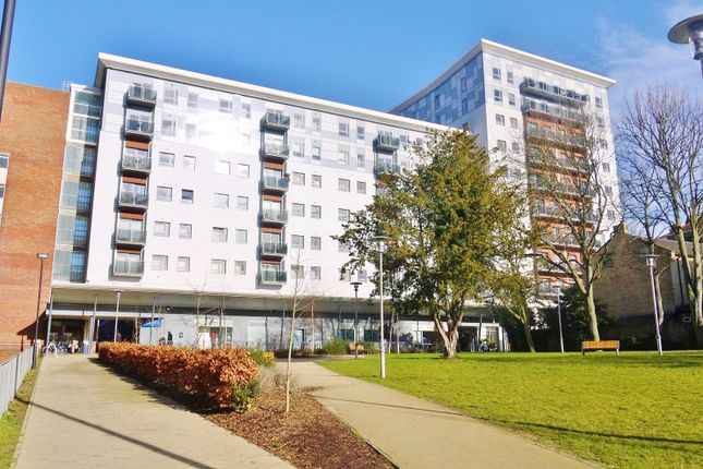 Thumbnail Flat for sale in Becket House, New Road, Brentwood, Essex