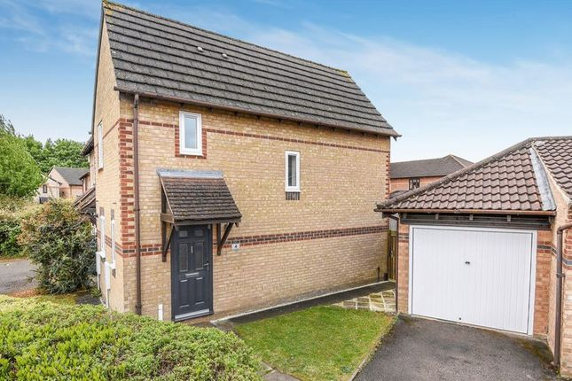 Thumbnail Property to rent in Pine Close, Bicester