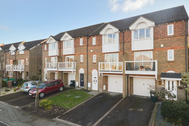 3 bed town house for sale in Bradbridge Green, Ashford