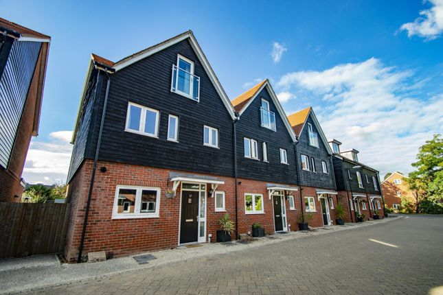 Thumbnail End terrace house to rent in Schuster Close, Cholsey, Wallingford