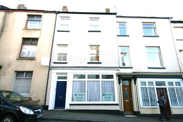 2 bed flat to rent in Albion Street, Exmouth
