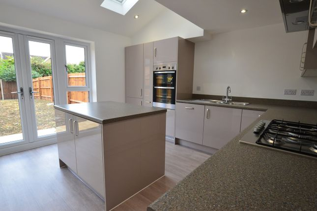 Thumbnail Town house to rent in St Johns Close, Off Thorpe Road, Peterborough