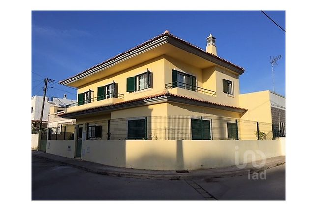 Detached house for sale in Quelfes, Olhão, Faro