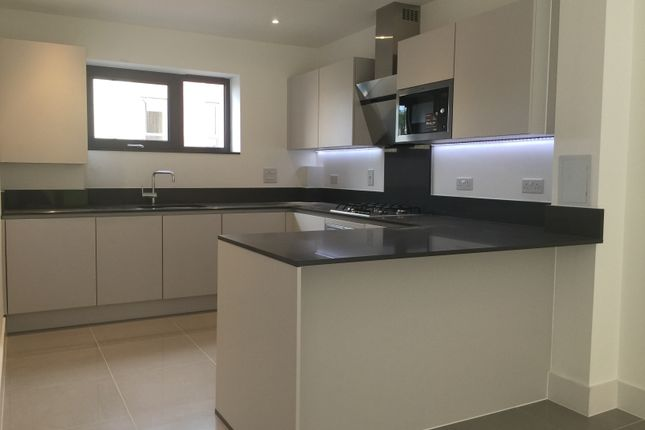 Thumbnail Town house to rent in Pipit Drive Westleigh Avenue, London