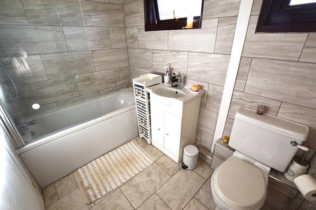Bathroom of Mayfield Acres, Kilgetty SA68