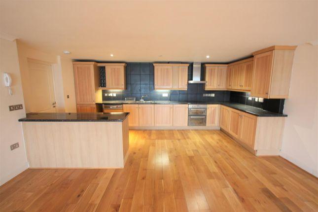 1 Longshore Apartments Kitchen