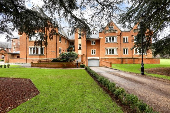 Thumbnail Flat to rent in Longbourn, Windsor