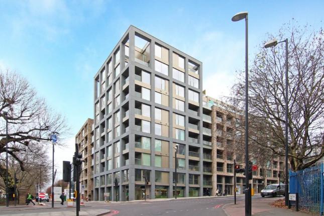 Thumbnail Flat for sale in Kings Cross Quater, London