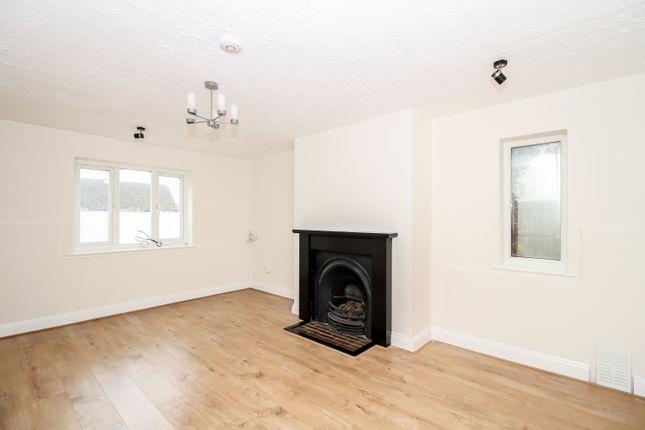 Thumbnail Semi-detached house to rent in Eynsham Road, Cassington, Witney