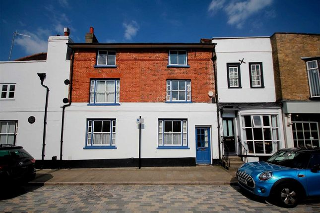 Thumbnail Detached house for sale in High Street, Hemel Hempstead