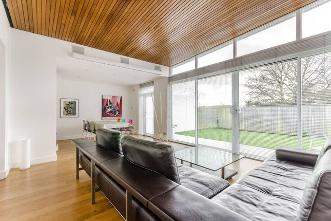 Thumbnail Bungalow to rent in Tollgate Drive, Dulwich Village, London