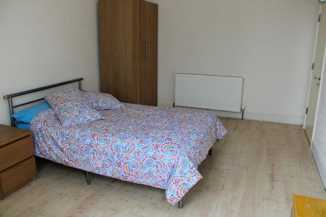 Room to rent in Warbreck Road, Walton, Liverpool L9
