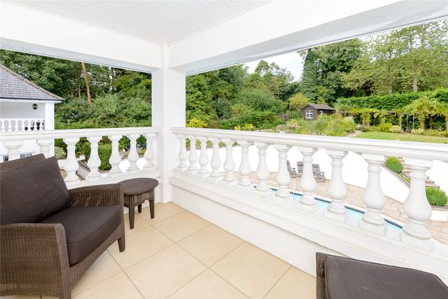 Balcony of The Leas, Hemel Hempstead, Hertfordshire HP3