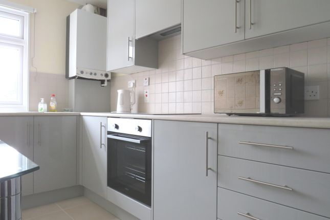Thumbnail Flat to rent in Wakeley Road, Rainham, Gillingham