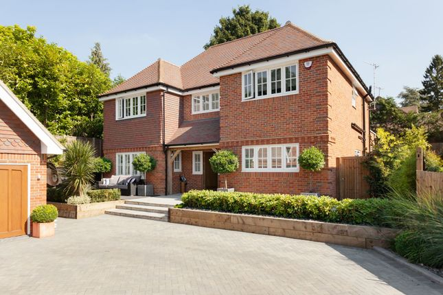Thumbnail Detached house for sale in Cottage Close, Watford