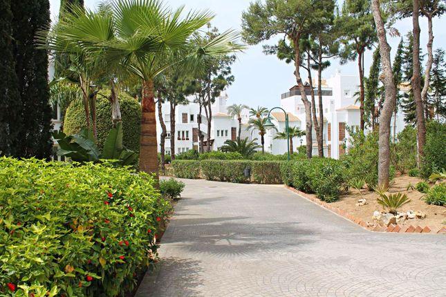 2 bed apartment for sale in Av. Ignacio Coca, 5, 29603 Marbella, Málaga, Spain