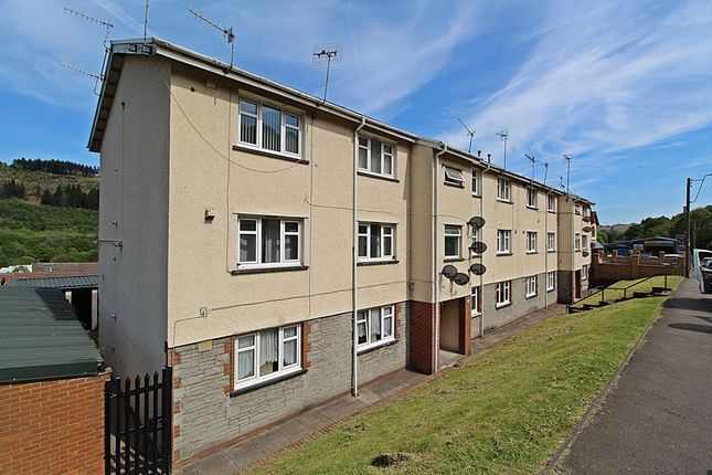 Thumbnail Flat to rent in Cwrt Bryncynon, Abercynon