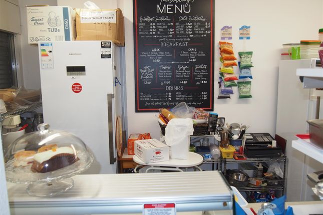 Thumbnail Restaurant/cafe for sale in Cafe & Sandwich Bars OL16, Milnrow, Greater Manchester