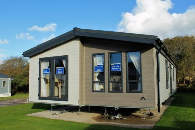 2 bedroom mobile/park home for sale in Trevelgue, Newquay, Cornwall