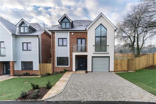 Thumbnail Detached house for sale in Downsview, Westerham, Kent