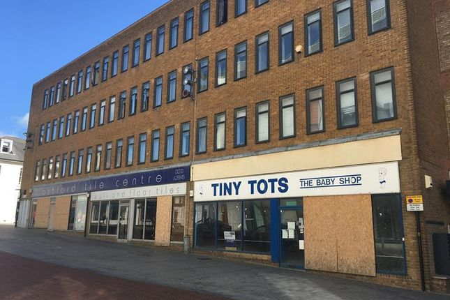 Thumbnail Retail premises to let in & 20 Elwick Road, Ashford, Kent