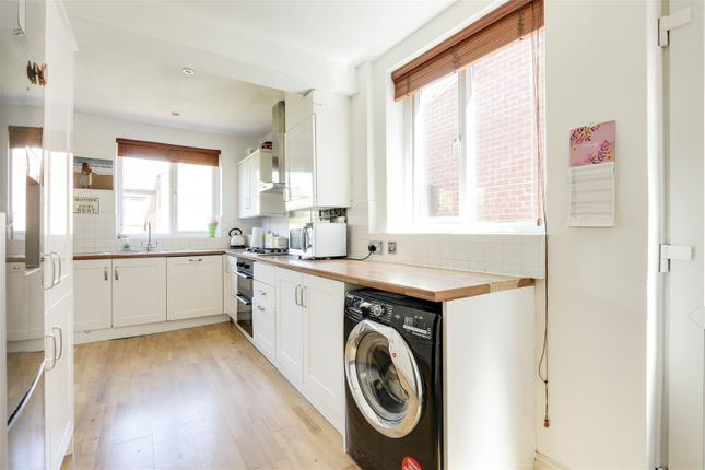 18448 of Kingswell Road, Arnold, Nottinghamshire NG5