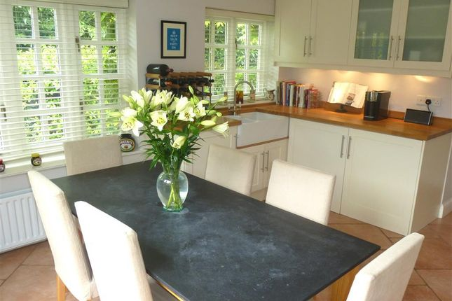 Thumbnail Property to rent in Hill Farm Road, Taplow, Maidenhead