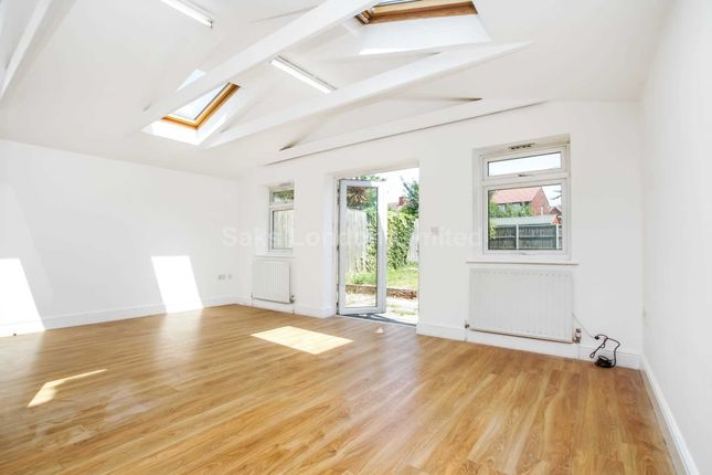 Thumbnail Semi-detached house to rent in Carlwell Street, Tooting