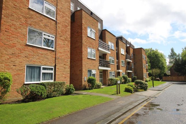 Studio to rent in Mentmore Court, Stanmore