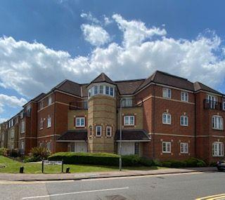 Thumbnail Flat to rent in Bushey, Aldenham Road, Wellsfield