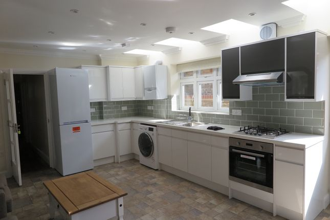 Thumbnail Maisonette to rent in Regina Road, Southall