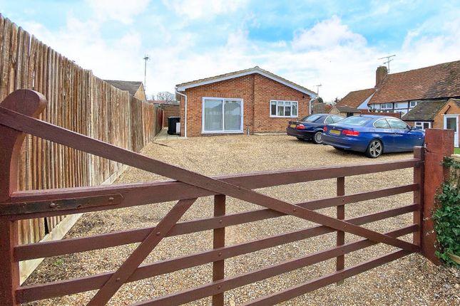 2 bed bungalow to rent in Oxenden Road, Tongham, Farnham GU10