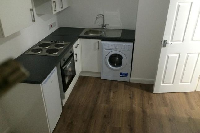 Flat for sale in G1, Whingate, Leeds
