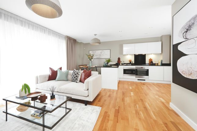 Thumbnail Flat for sale in Greenwich High Road, London