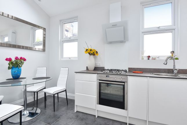 Thumbnail Flat for sale in Mitcham Road, Tooting