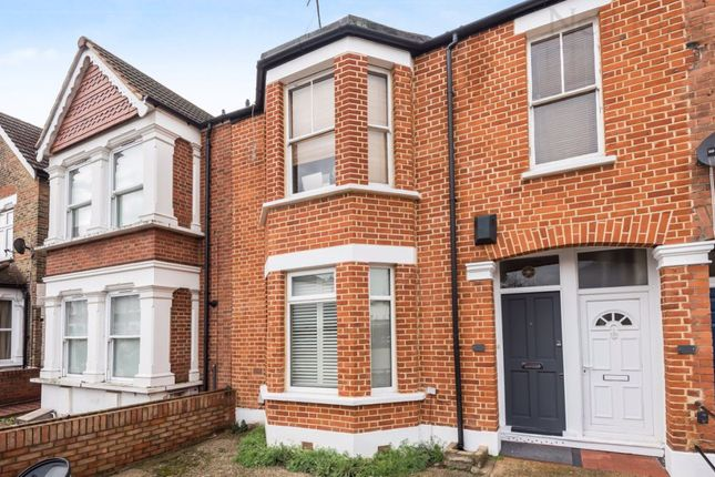 Flat in  Pulteney Road  South Woodford  West London