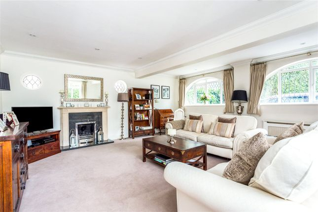 Picture No. 06 of Orchard End, Weybridge, Surrey KT13