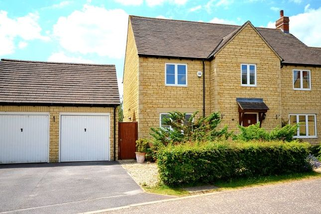 Thumbnail Detached house to rent in Bryony Gardens, Carterton