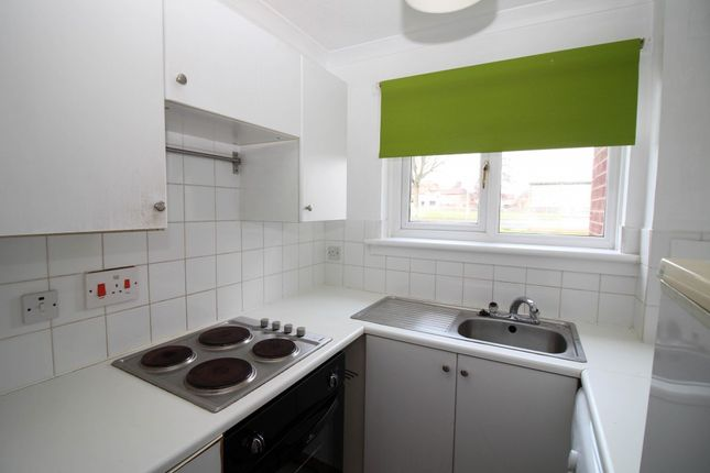 Thumbnail Flat to rent in Lorimar Place, Carronshore, Falkirk