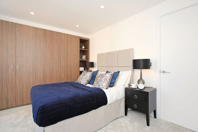 Bedroom of Rotherhithe Street, London SE16