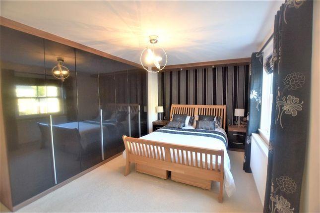 Bedroom of Pike Close, Hayfield, High Peak SK22