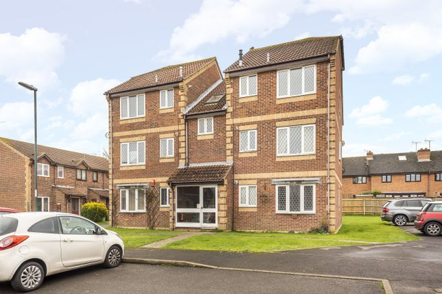 Thumbnail Flat for sale in Satinwood Close, Middleton On Sea