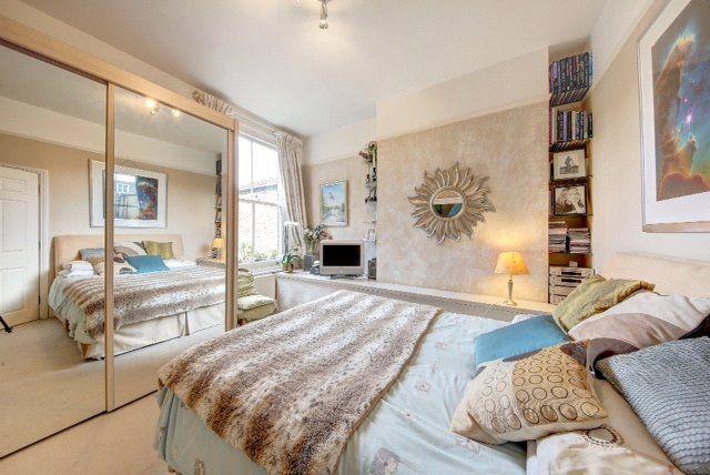 Bedroom of Wandsworth Bridge Road, London SW6