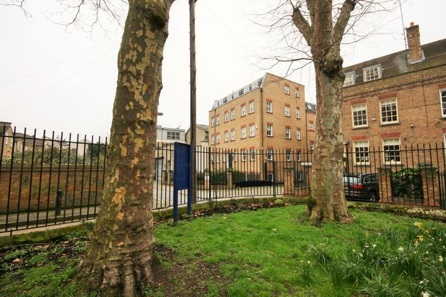 2 Bedroom For Sale In A Gated Development In Stepney Green