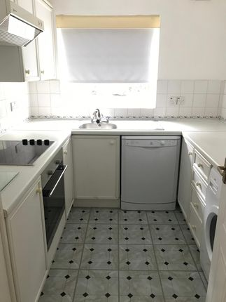 Thumbnail Flat for sale in Varsity Drive, Twickenham, Middlesex