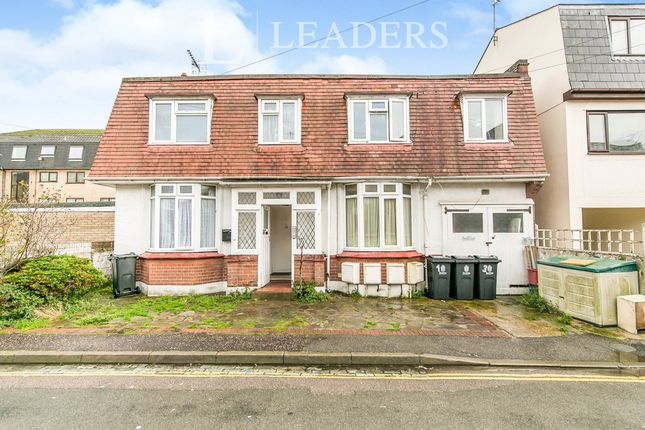 1 bed property to rent in Church Crescent, Clacton-On-Sea, Essex CO15
