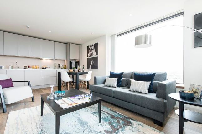 2 bed flat to rent in Junction Road, London