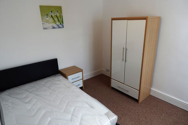 Thumbnail Shared accommodation to rent in Eastry Close, Ashford